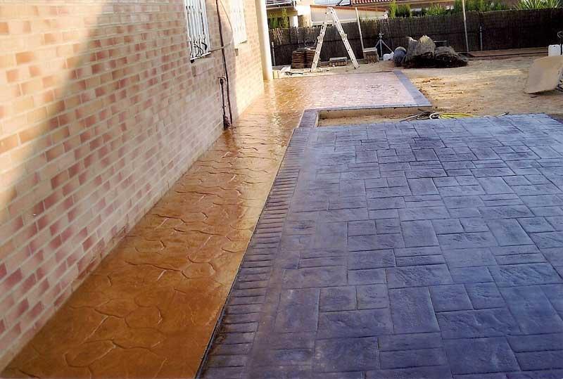 Bordillos, aceras y suelos para exterior